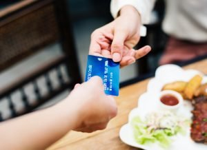 credit card payment in cafe